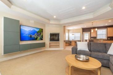 1739 N Washington Street Unit-small-003-007-Living Room-666x444-72dpi