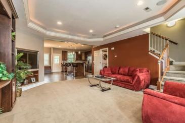 1739 N Washington St-small-011-9-Living Room-666x444-72dpi
