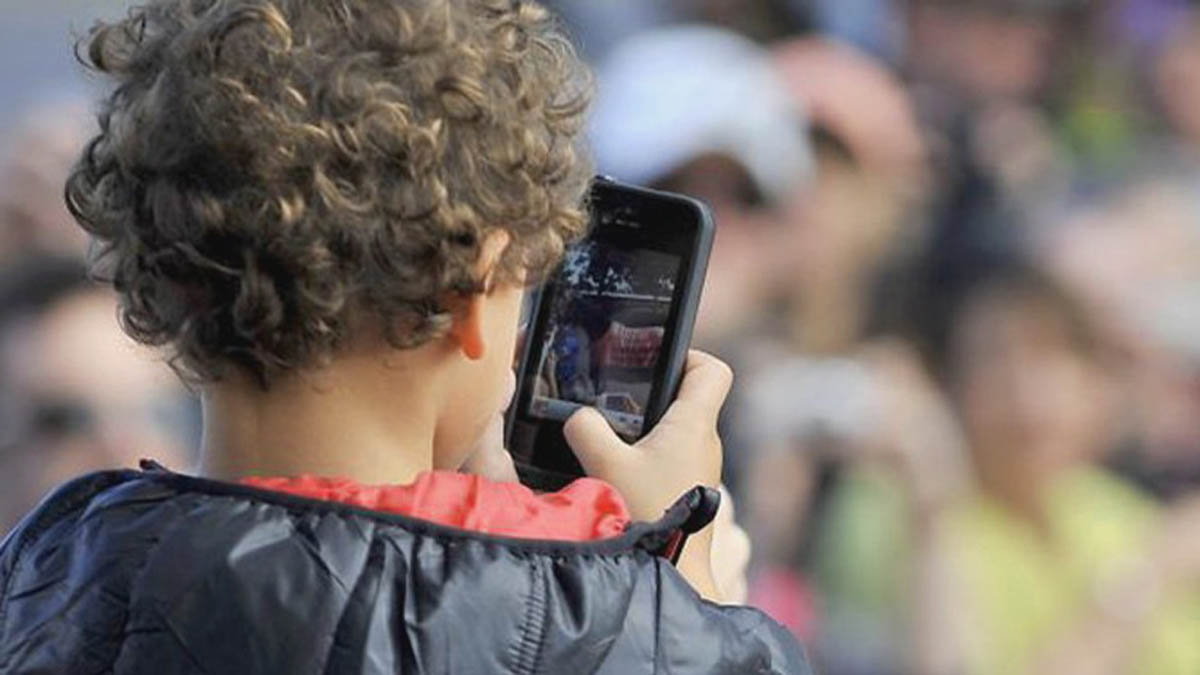 Heavy screen time appears to impact childrens' brains