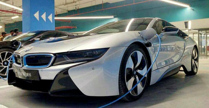 Pakistan Wants to Introduce Duty-Free Import of Electric Cars