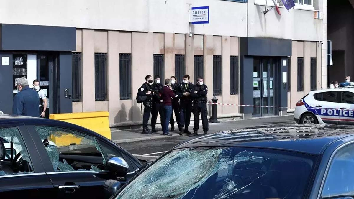 attack on police station near Paris sparks calls for govt action
