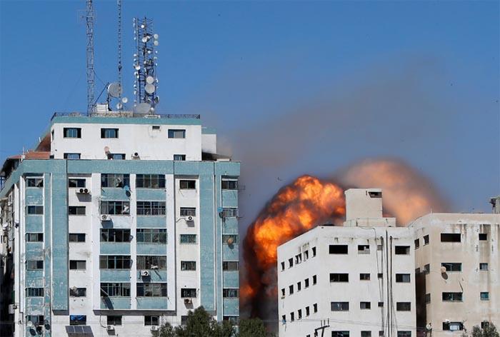 aljazeera office destroy in gaza