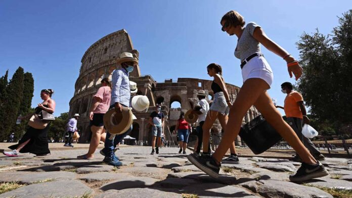Italy will reopen to foreign tourists from mid-May