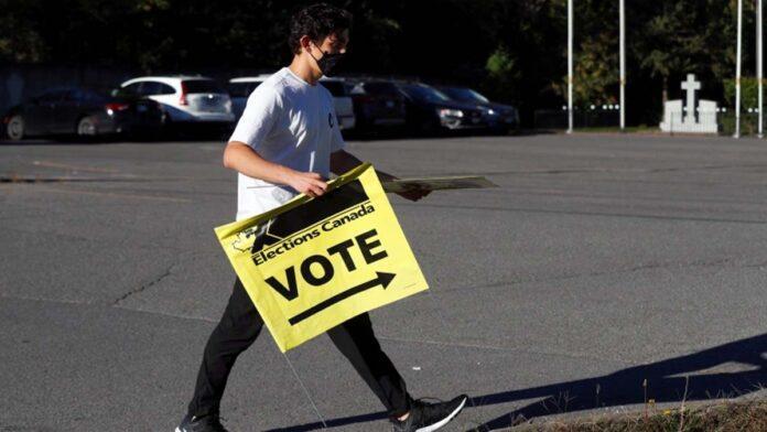 Canada Votes: Polls open as Trudeau faces election battle