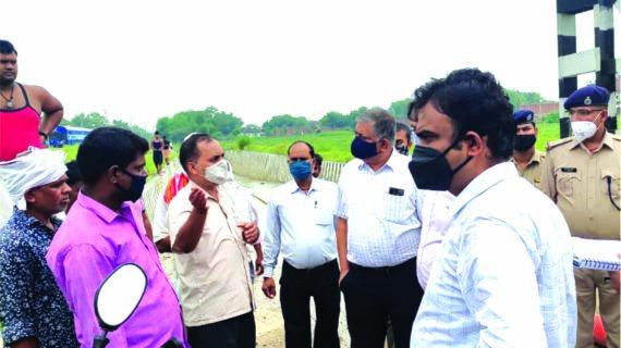 डीआरएम ने किया औड़िहार-जौनपुर (४९ किमी) दोहरीकरण परियोजना के अंतर्गत चल रहे विभिन्न कार्योे का विन्डोट्रेलिंग निरीक्षण