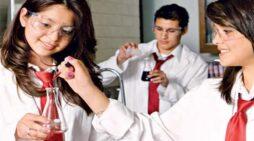 विज्ञान के छात्रों के लिए हैं कई विकल्प