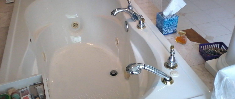 Whitty Bathroom Before 3