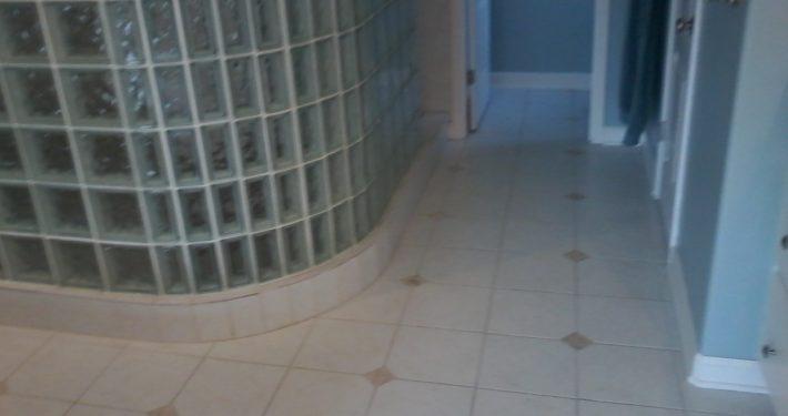 Whitty Bathroom Before