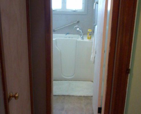 McAvenue Bathroom tile flooring