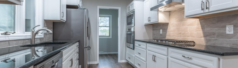 Akers kitchen with Shaws vinyl plank flooring