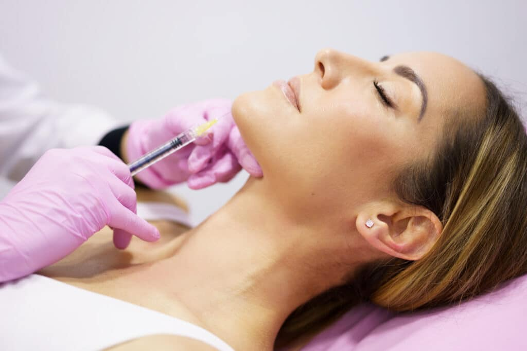 Concierge Botox & Aethetics doctor-injecting-hyaluronic-acid-into-the-ching-of-LAZGQVX-1024x683 Home