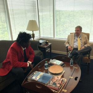 L.E.A.D. Ambassador Javien Woods and Senator Johnny Isakson meet in Senator's Georgia office