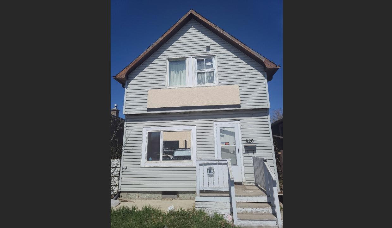 820 Victoria Ave, Regina