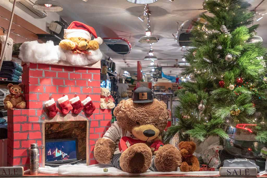 Teddies Around Town Martha's Vineyard Teddy Bear Suite Christmas in Edgartown  Martha's Vineyard Boys & Girls Club 5k