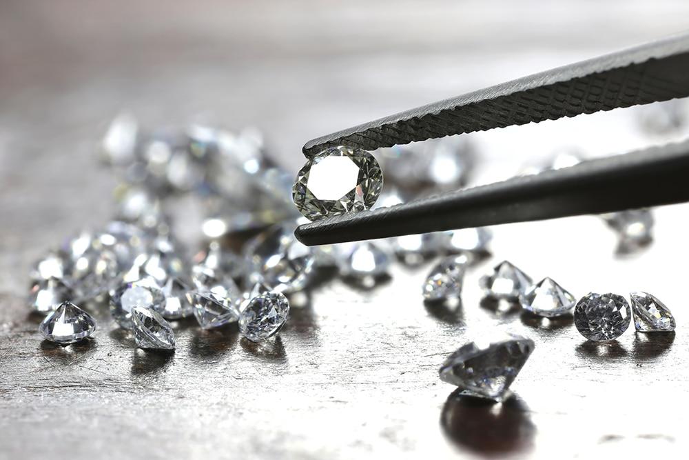 The 4 C's of Buying Diamonds
