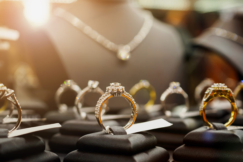 Finding and Selecting the Highest Quality Jewelry at Pawn Shops