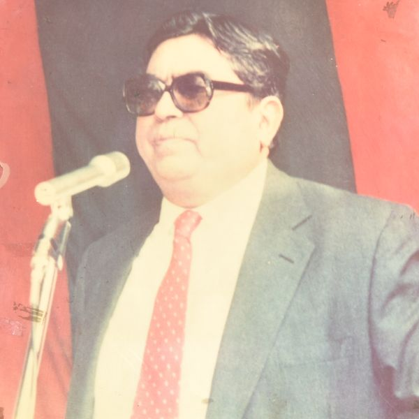 01 Founder Dr. Surender Singh (1)