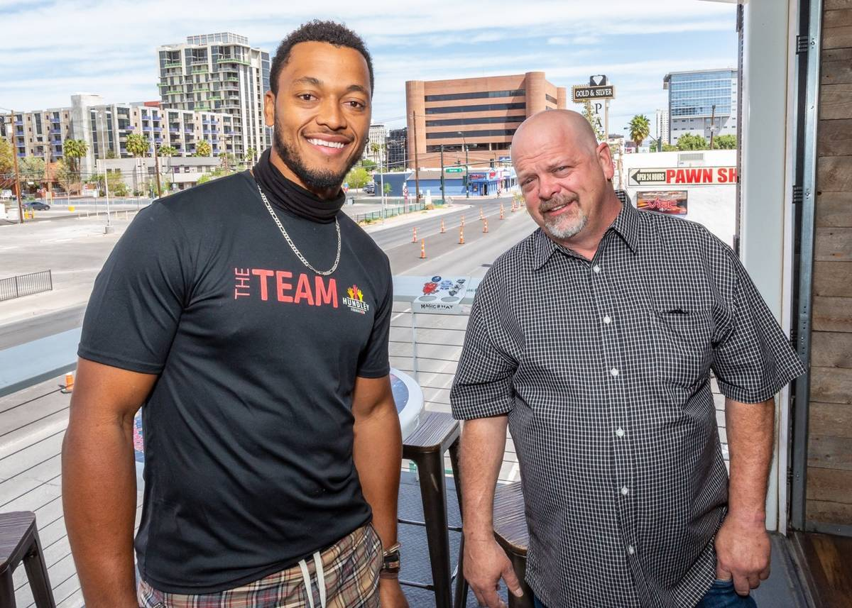'Pawn Stars' Rick Harrison teams up with NFL QB for charity rally