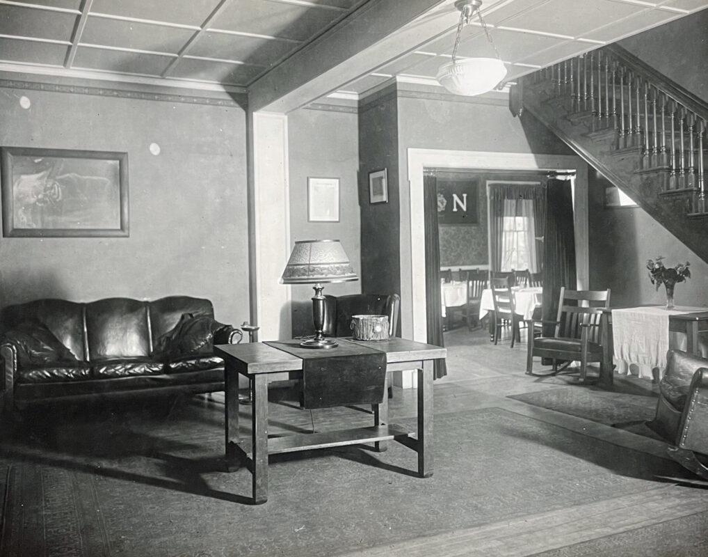 Sigma Nu Living room 1922