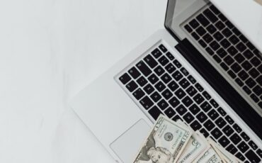 How much should a small business spend on marketing?
