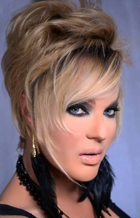 Kelly Lauren