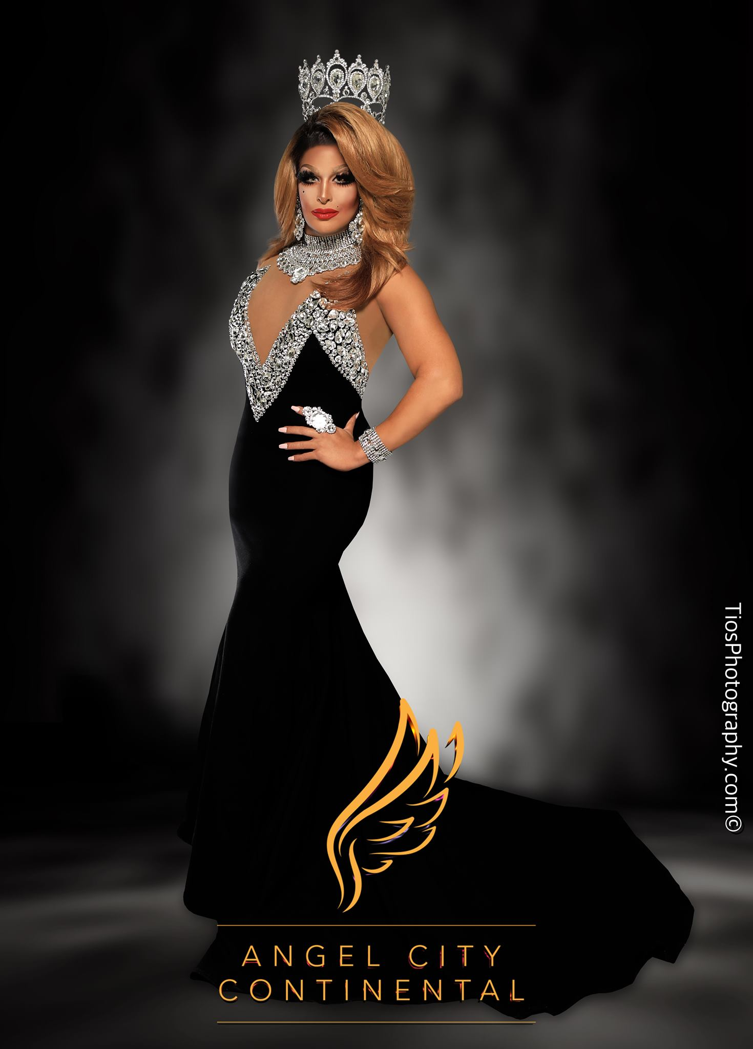 Roxxxy Andrews - Photo by Tios Photography