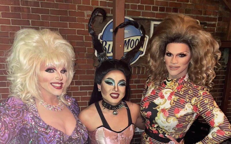 Valerie Valentino, Maja Jera and Ava Aurora Foxx at A.W.O.L. (Columbus, Ohio)   August 2021 CROPPED