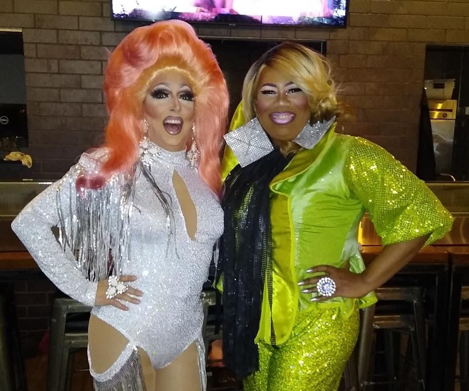 Samantha Rollins and Vee Love at Union Cafe (Columbus, Ohio) | September 2021