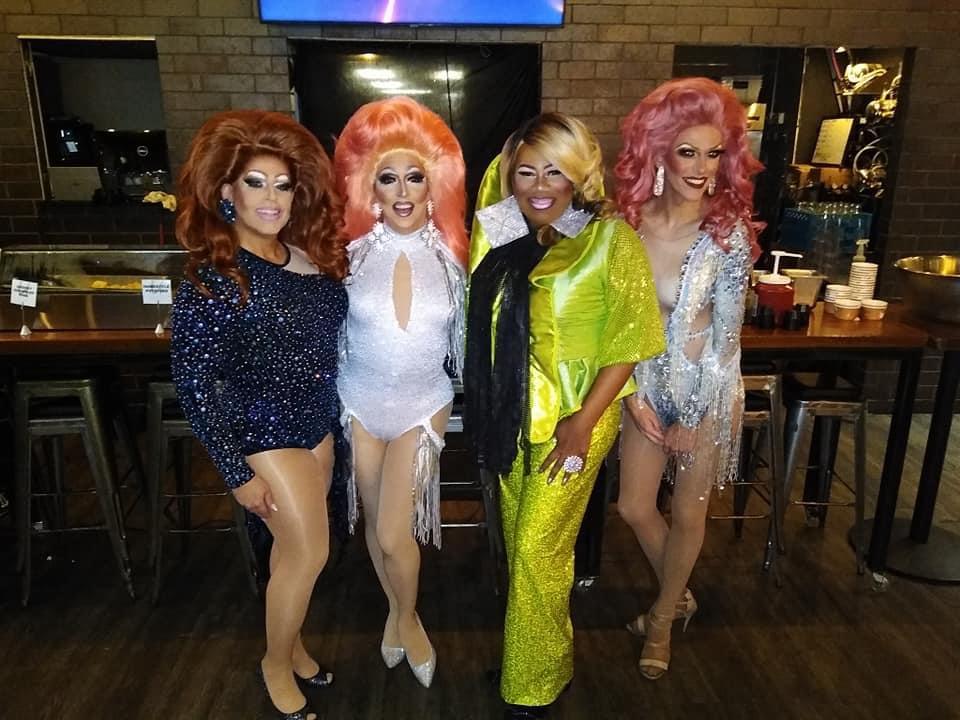 Alli Katt, Samantha Rollins, Vee Love and Jennifer Lynn Ali at Union Cafe (Columbus, Ohio) | September 2021