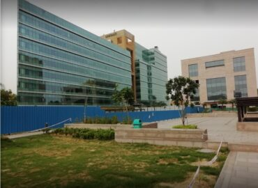 Pre Rented Office in Unitech Signature Tower NH-8 Gurgaon