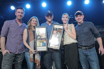 Cole Swindell Chillin It Certification - CountryMusicRocks.net