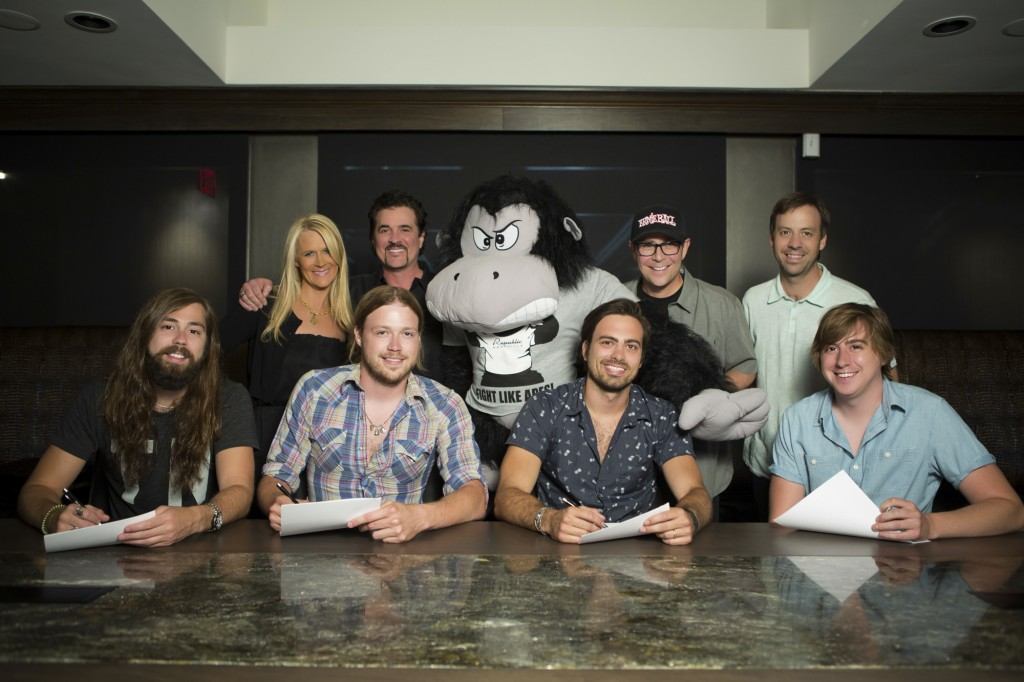 Pictured (L-R): Front Row – A Thousand Horses' Graham DeLoach, Michael Hobby, Bill Satcher and Zach Brown; Back Row – Big Machine Label Group SVP A&R Allison Jones, Big Machine Label Group President & CEO Scott Borchetta, Republic Nashville Ape, Big Machine Label Group EVP & Republic Nashville President Jimmy Harnen and Republic Nashville VP of Promotion Matthew Hargis   Photo Credit: Seth Hellman for Republic Nashville