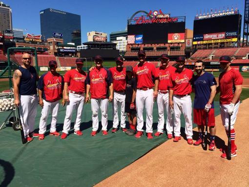 Luke Bryan St. Louis Cardinals Team Members - CountryMusicRocks.net