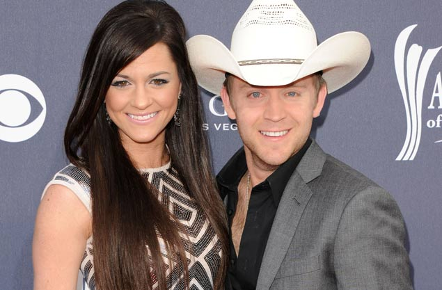 Justin Moore and Wife - CountryMusicRocks.net