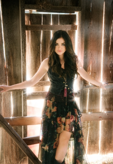 Lucy-Hale--CountryMusicRocks.net