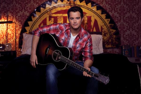 Easton-Corbin-CountryMusicRocks.net