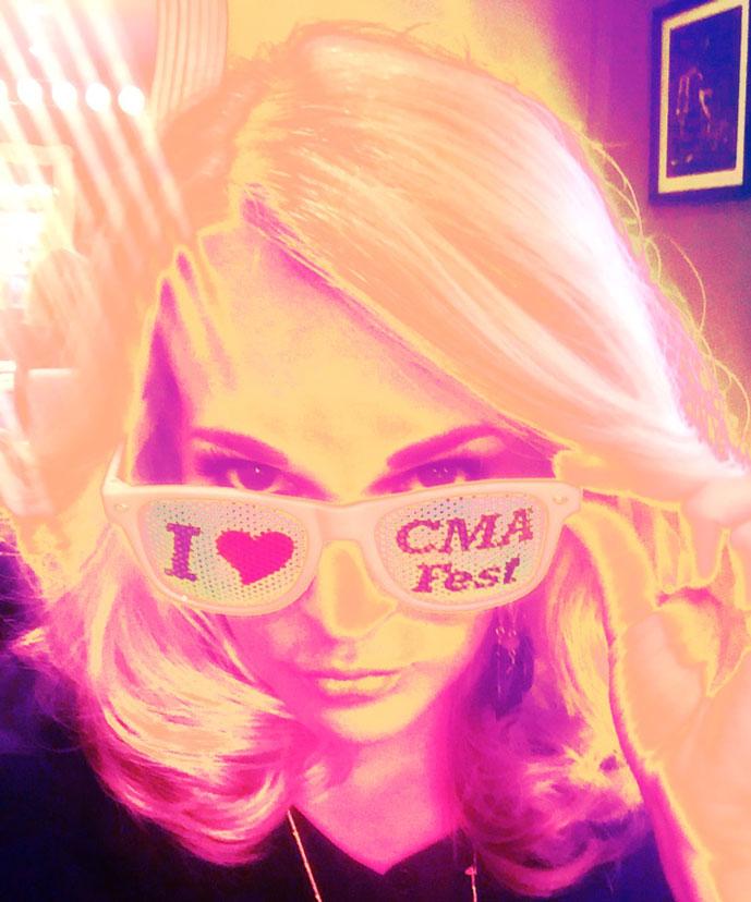 Carrie-Underwood-CMA-Fest---CountryMusicRocks.net