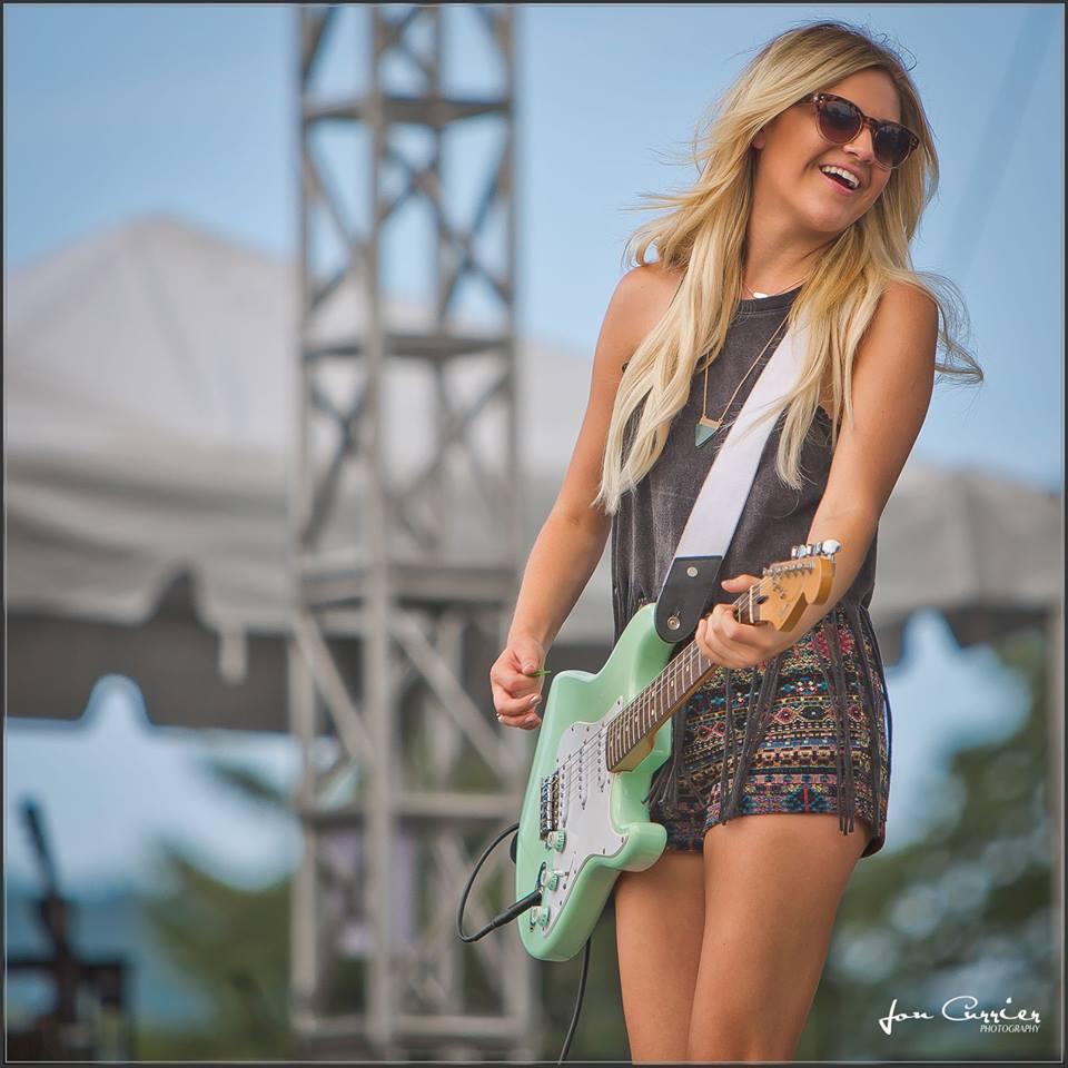 Kelsea Ballerni - CountryMusicRocks.net