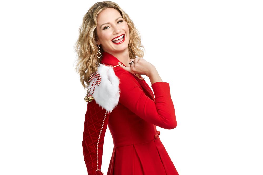 Jennifer Nettles CMA Country Christmas