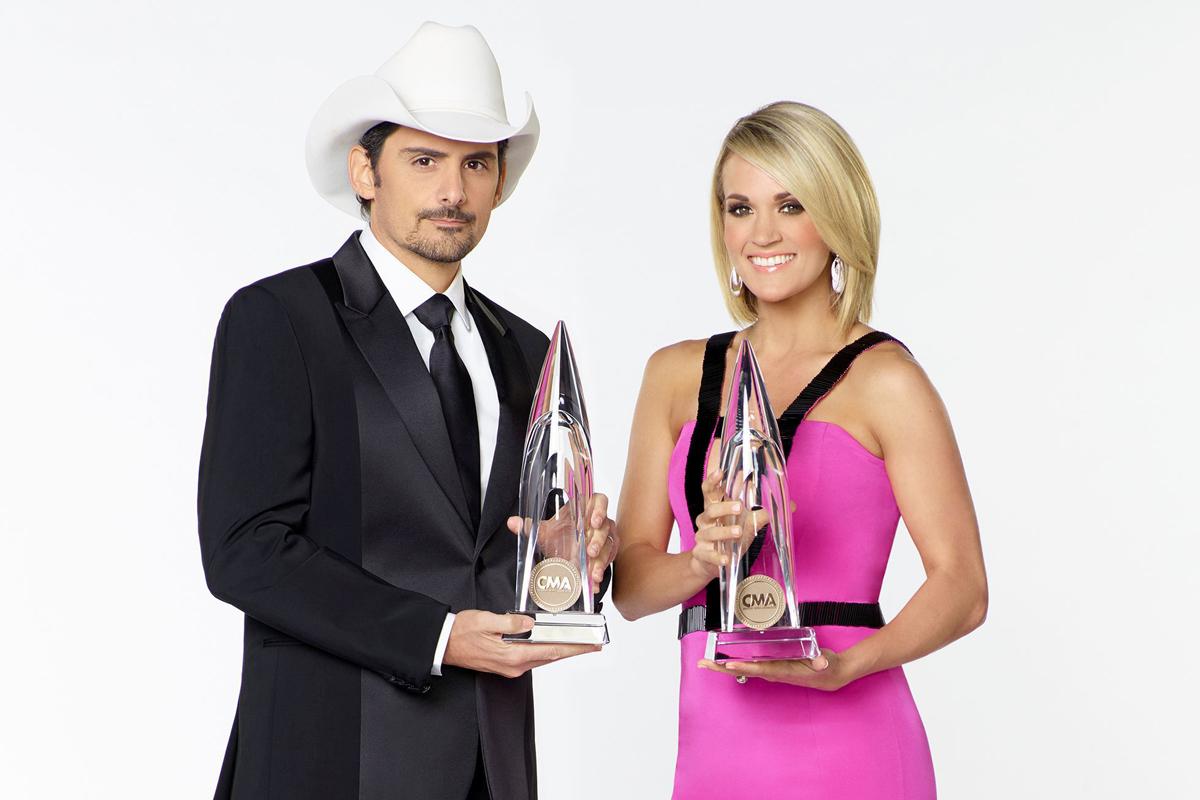 Brad Paisley Carrie Underwood 51st CMA Awards Hosts