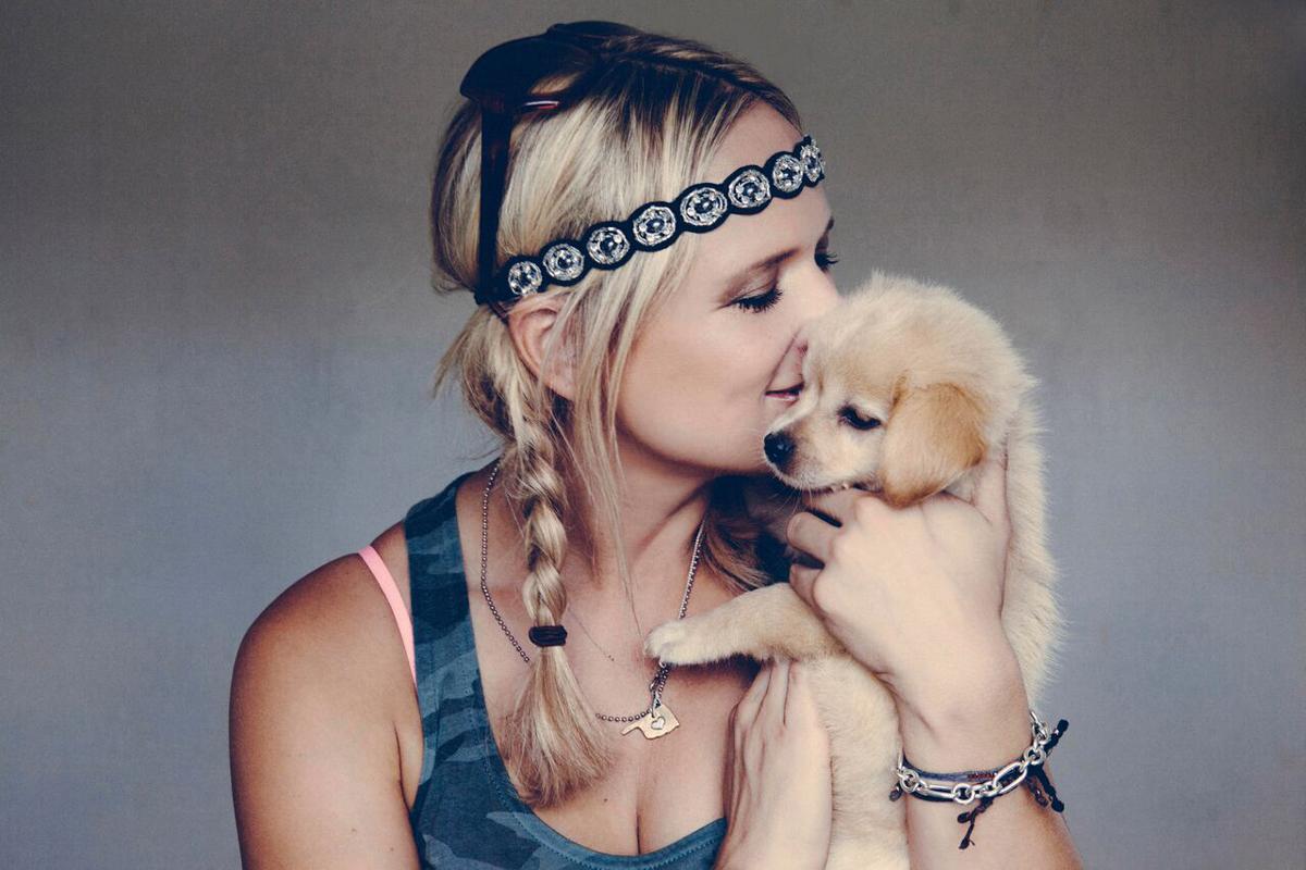 Miranda Lambert with dog Bellamy