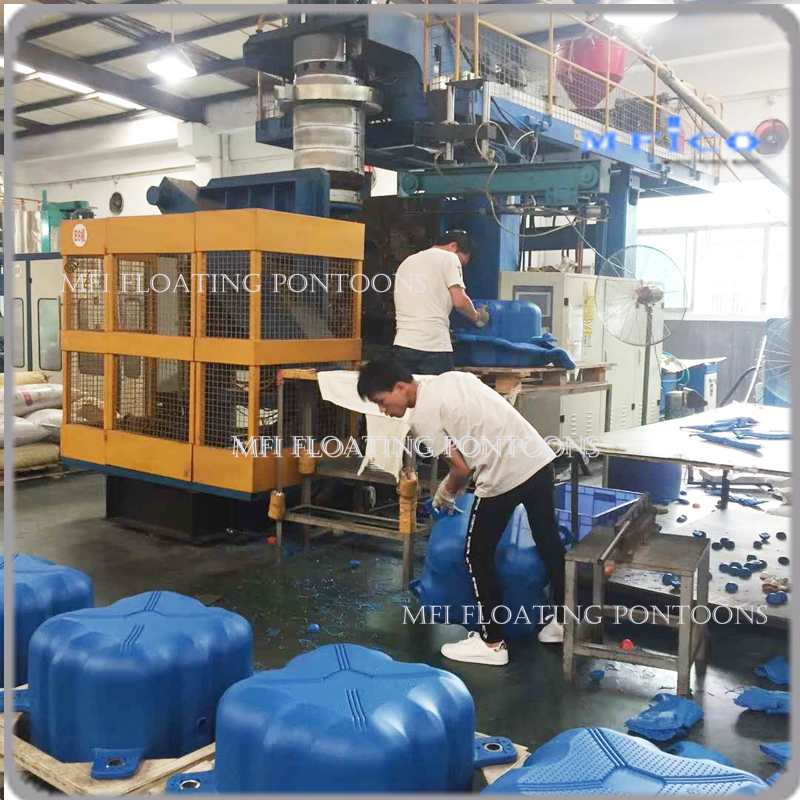 floating pontoon blocks equipments