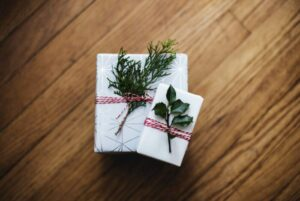Overview of two wrapped Holiday presents