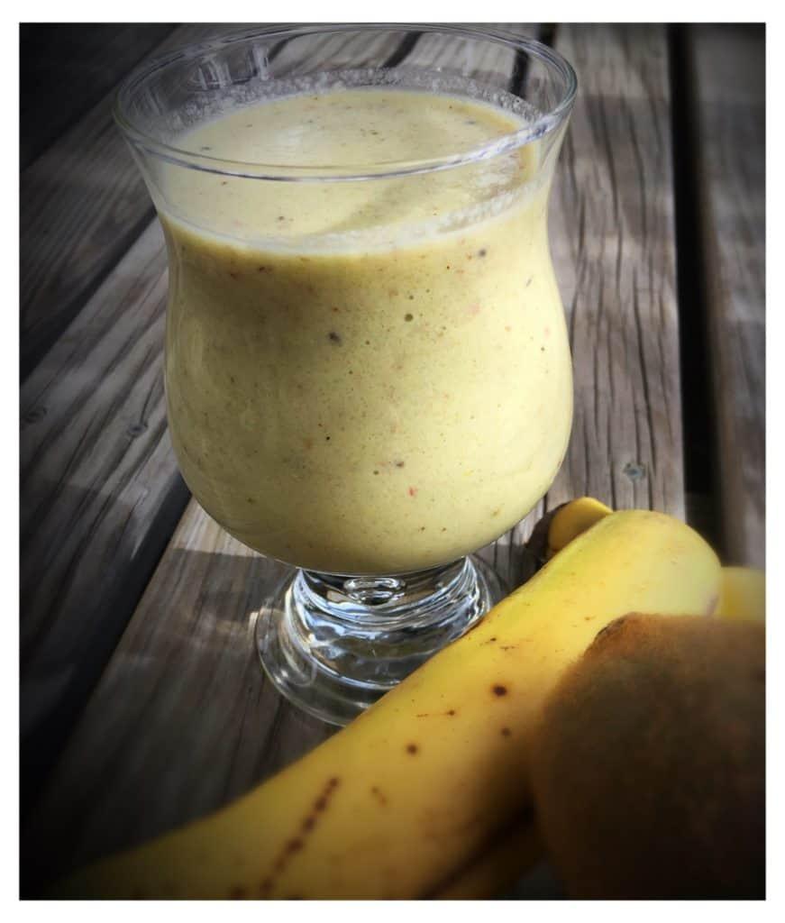 Banana and Kiwi fruit smoothie