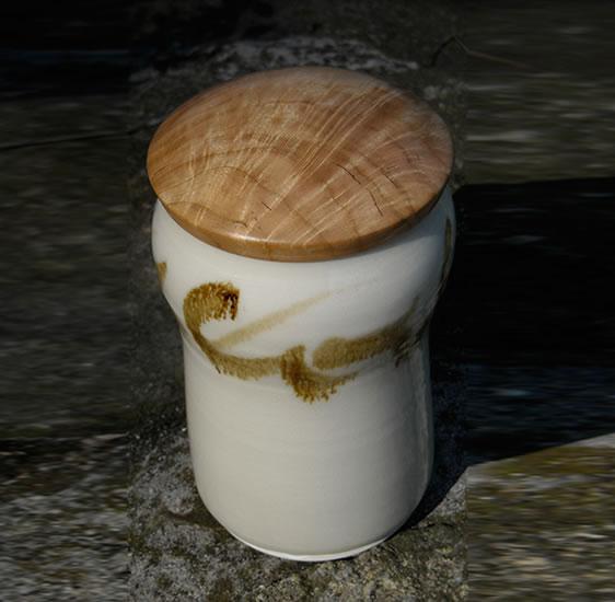 Covered-Jar-Cheerywood-lid