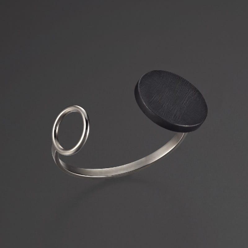 Contemporary Jewelry Bande des quatres bijoux contemporains Montreal