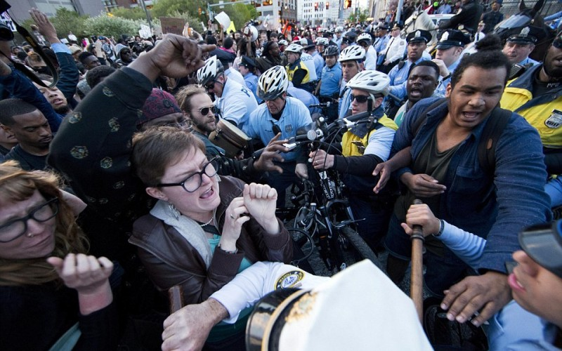 Philadelphia: Freddie Gray Protestors Clash With Police