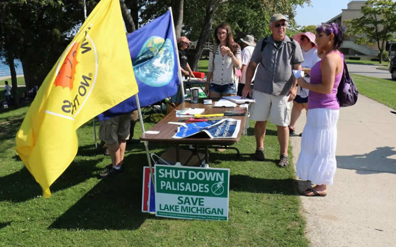 Protest Rally Opposing Proposed Nuclear Waste Abandonment Dump on Lake Huron 2015