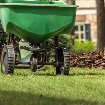 Rankin-Lawn-Care-fertilizer