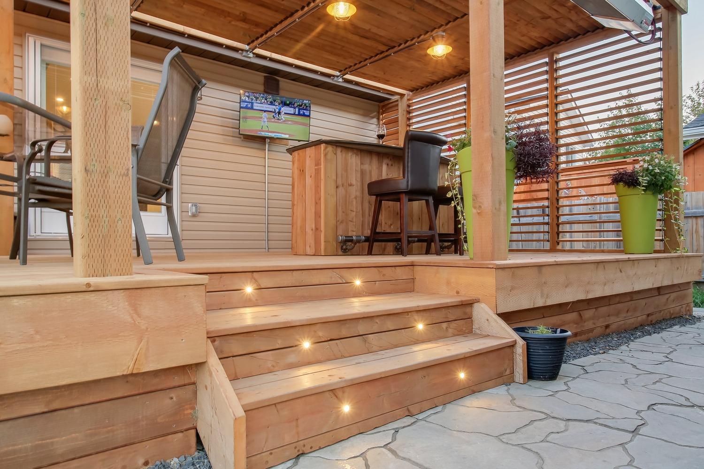 Stony Plain Deck